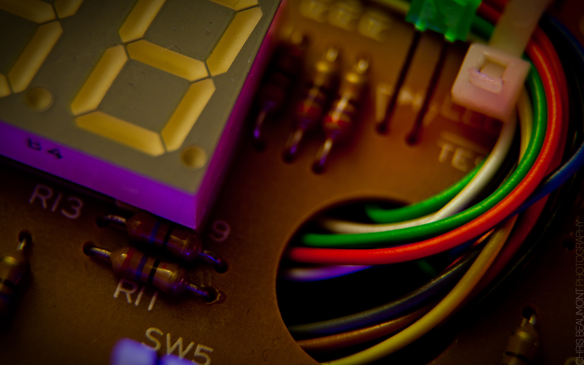 electronics-widescreen-macro-wallpaper-background-48002