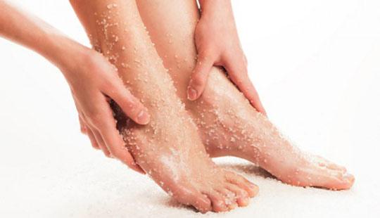 побрить ноги
