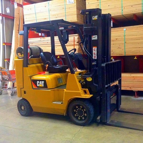 Сучасні навантажувачі забезпечать ефективне виконання підйомно-транспортних робіт на підприємстві
