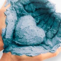 Голубая глина – кладезь полезностей для вашей кожи