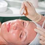 Апаратні процедури для шкіри обличчя у салоні Naturelle