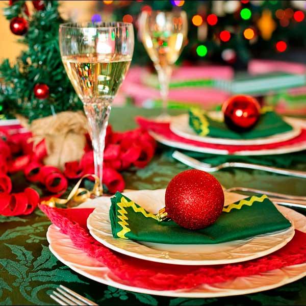 Скільки коштує накрити новорічний стіл?